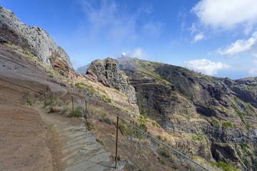 Wandern auf Madeira, Blick zum Pico Arieiro