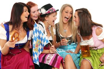 Mädchen in bayerischer Tracht