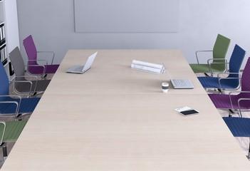 Konferenzraum - Bunte Stühle