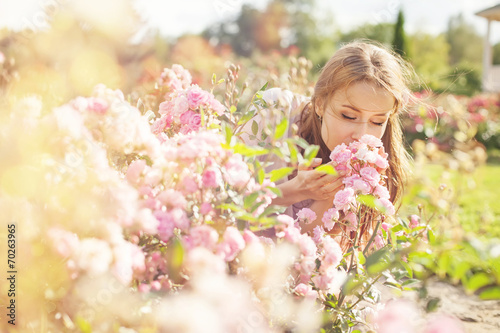 smell of the flower - 70263965