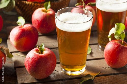 Leinwanddruck Bild Hard Apple Cider Ale