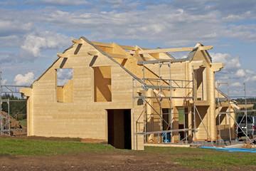 Aufbau eines Holzhauses