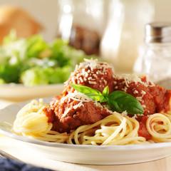 plate of italian spaghetti and meatballs