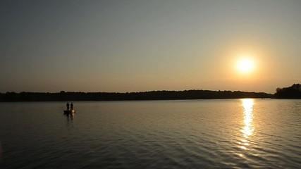 Angeln im Sonnenuntergang im Feisnecksee Waren Müritz