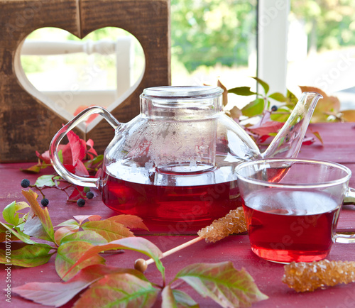 canvas print picture Heisser Tee im Herbst