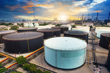 oil storage tank in petrochemical refinery industry plant in pet