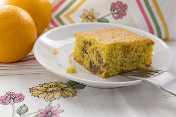 cake of  peach with walnuts