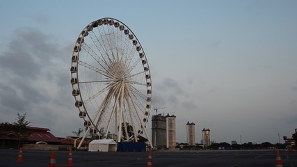 Ferris wheel in morning, Time lapse. HD