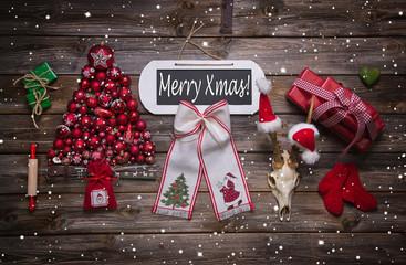Rustikale Weihnachtskarte mit Text: Merry Xmas