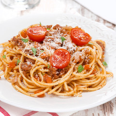 spaghetti bolognese with roasted tomatoes
