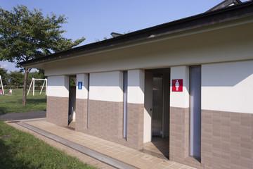 公園のトイレ