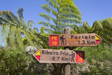 Hinweisschilder, Wanderweg Madeira