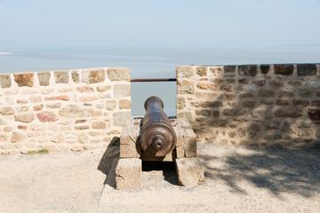 モンサンミッシェルの古い大砲