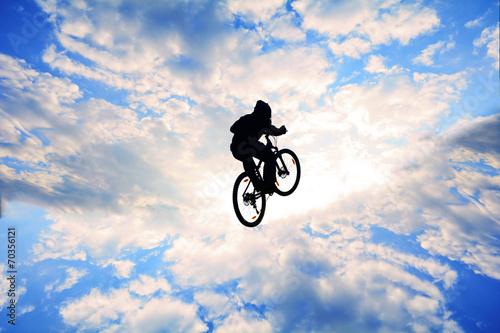 Deurstickers bisikletle havalarda uçmak