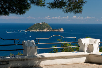 Viewpoint over Isola Gallinara