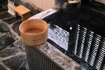 温泉 桶 風呂