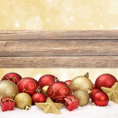 Weihnachtshintergrund / Kugeln / Holz