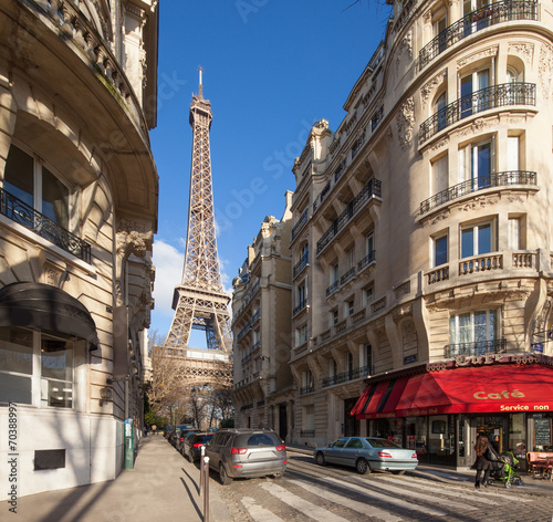 Papiers peints Con. Antique Paris Straßenszene mit Eiffelturm