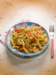 pasta with zucchinis and fresh tomatoes