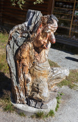 Скульптура тролля из дерева. Норвегия.