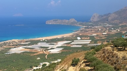 Spiaggia di falasarna a creta vista dall'alto