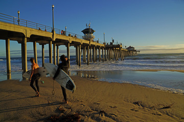 Huntington Beach Pier Surfers