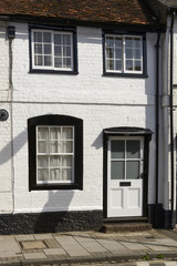 white and black cottage facade, Henley on Thames