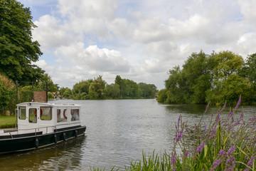 river Thames bends near Wargrave