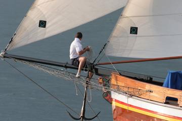 Veliero storico con marinaio