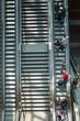 Menschen auf der Rolltreppe - 70406914