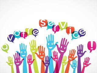 mains groupe souriant : a votre service