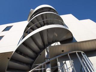 外階段の螺旋階段