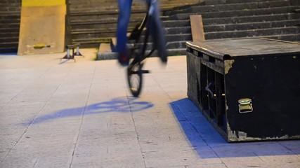bicycle driver slide on edge of ledge bo