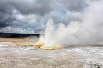Yellostone National Park _ geyser