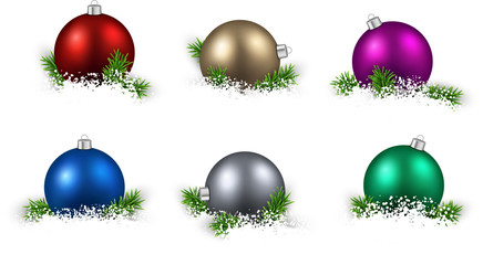 Set of realistic color christmas balls.