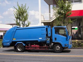 ゴミ収集車