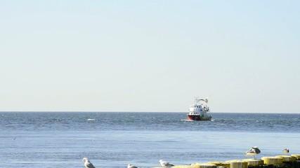 Hafen von Kolberg mit Ausflugsboot