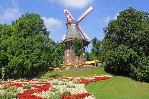Fotobehang Vuurtoren / Mill Herdentorswallmühle in BREMEN