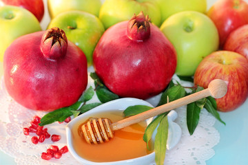 honey, apples and pomegranate for the holiday of Rosh Hashanah