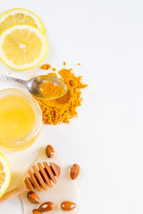 Honey with lemon and turmeric