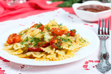 Pasta with sun-dried tomatoes
