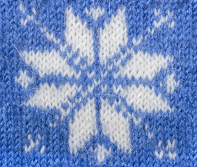 Jacquard pattern with snowflake