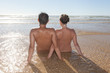 Couple nus sur la plage - 70480165
