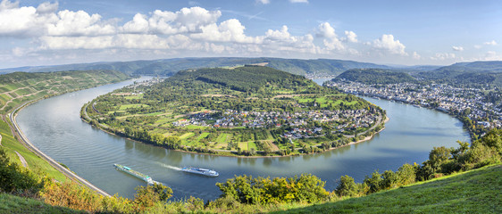 Picturesque bend of the river Rhine near Filsen