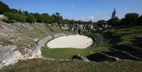 saintes,saintonge,amphitheatre,arenes,