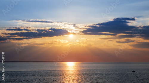 canvas print picture Sunset sky over ocean