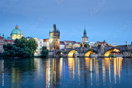 Canvas Praag Vltava river and Charles bridge by night, Prague, Czech republic