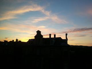 Haus bei Sonnenuntergang