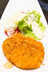 Fritter pork with salad vegetables