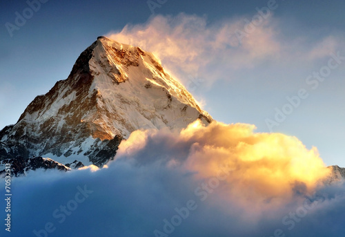 Fotobehang Nepal Sunrise at Annapurna mountains range, Machapuchere mountain